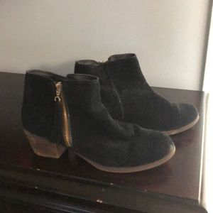GUC Aldo suede booties Size 9